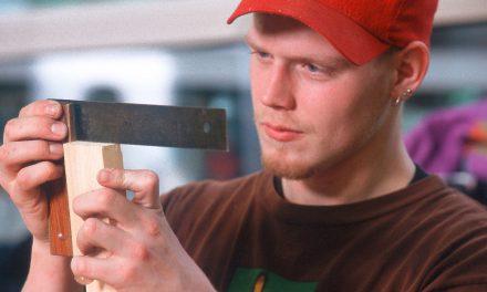 Azubis in Deutschland – Jeder Zweite leidet unter arbeitsbedingten gesundheitlichen Beschwerden