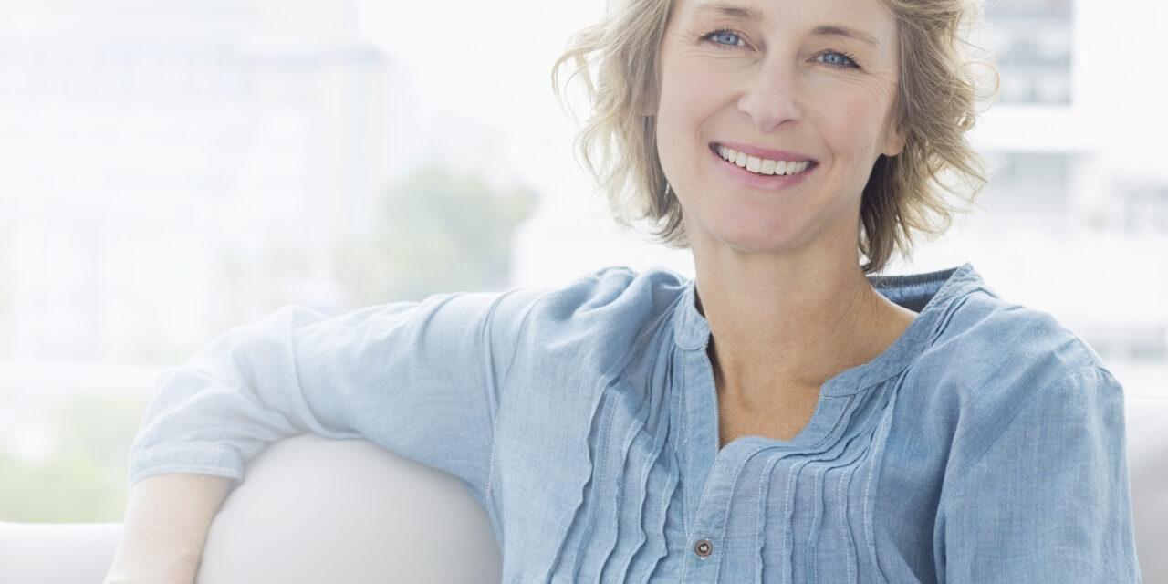 Dentale Implantologie bringt  das Lächeln und den Biss zurück