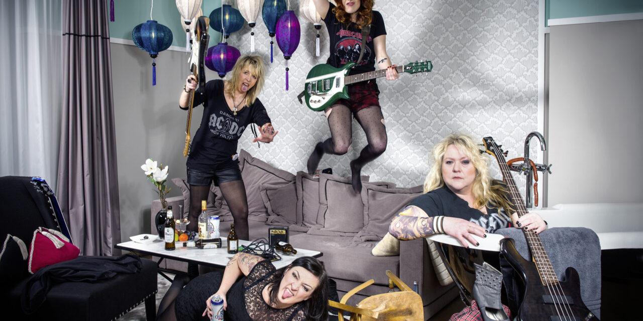Starkstrom statt Strickliesel – geballte Frauenpower bei Falten/Rock