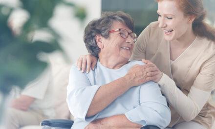 Die Altenpflege rückt den Menschen in den Mittelpunkt