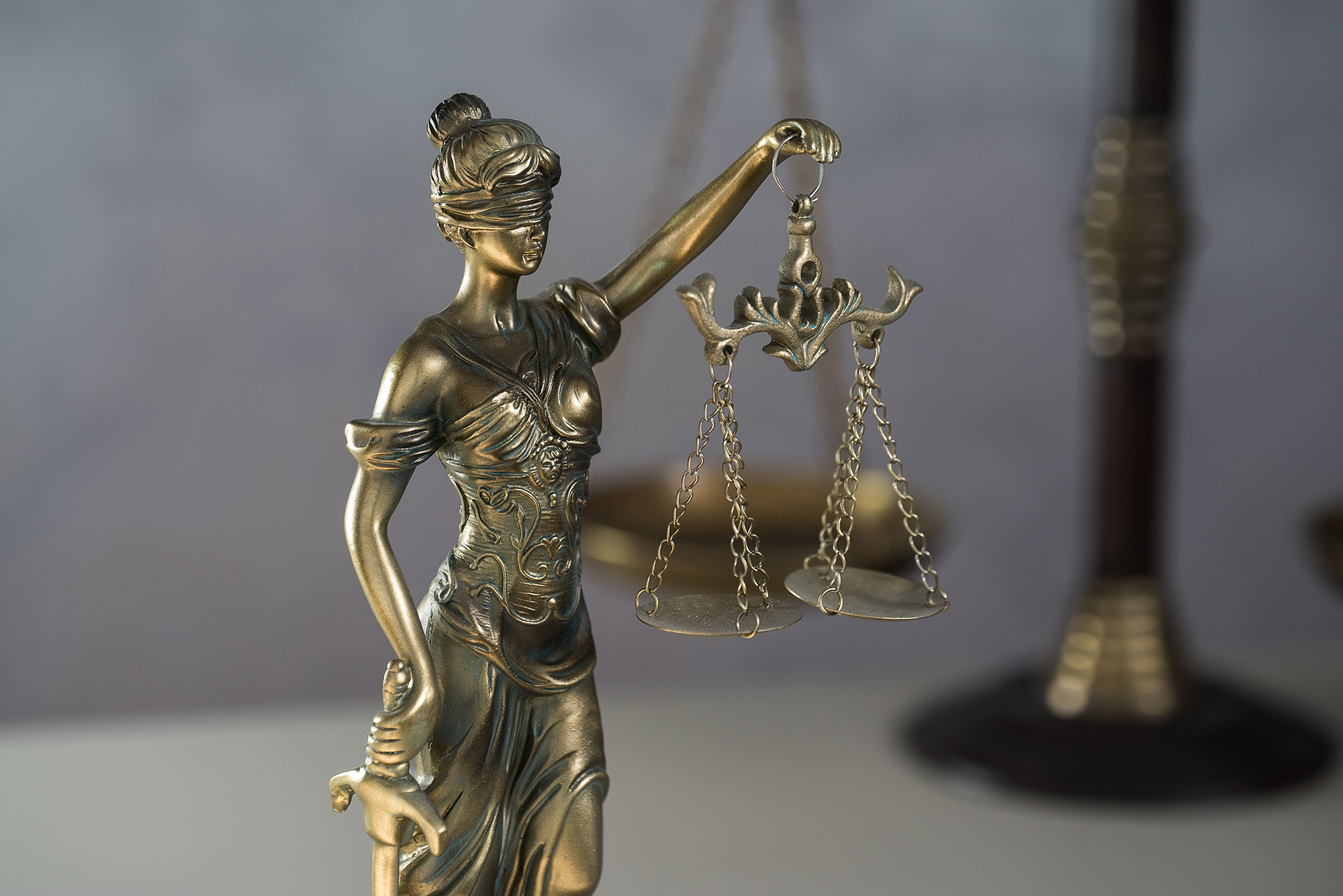Blockade statt Aufklärung – Klage gegen Maseknzwang